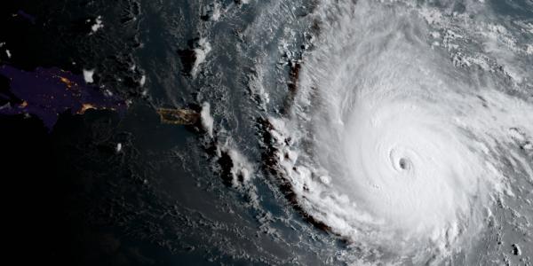 Trei români dispăruți sub uraganul Irma în Caraibe